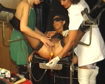lesbian exam untersuchung enema strapon cunt catheter
