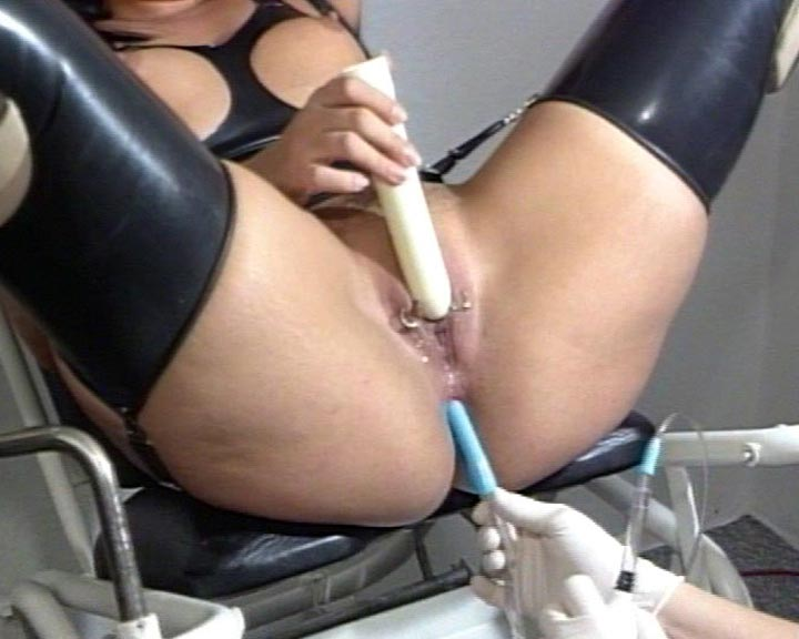 the rubber clinic amateur porno frei