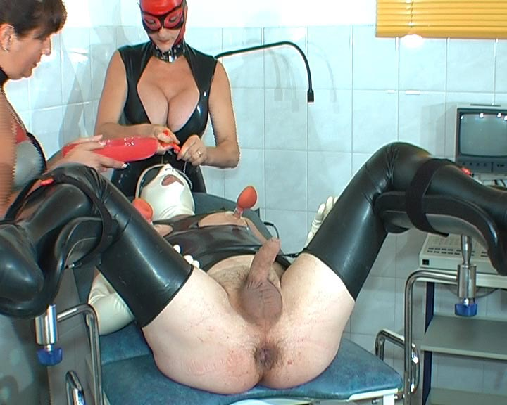 rubber clinic nippel sex