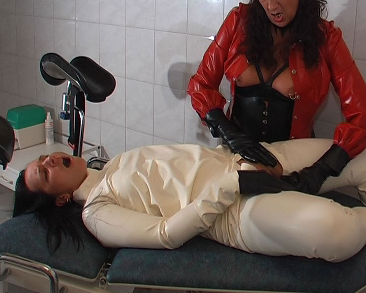 bdsm latex triana nakenbilder